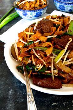 Beef Chow Fun Noodles (gon chow ngau ho) - The Woks of Life
