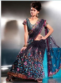 Bollywood Party Wear Saree This page is contains Latest Bollywood Party Wear Saree and all about Bollywood Party Wear Saree,Party Wear S. Bollywood Theme, Silk Saree Blouse Designs, Designer Blouse Patterns, Indian Fashion, Womens Fashion, Cool Style, My Style, Party Wear Sarees, Indian Outfits