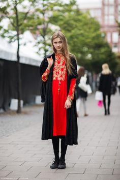Carolines Mode photo of model Beata Holmgren __ totally in love with dress, coat, necklace, & bracelet