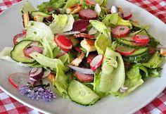 Kertész saláta recept képpel. Hozzávalók és az elkészítés részletes leírása. A kertész saláta elkészítési ideje: 15 perc Ketogenic Recipes, Diet Recipes, Vegan Recipes, Keto Results, Winter Food, Keto Dinner, Caprese Salad, Cucumber, Potato Salad