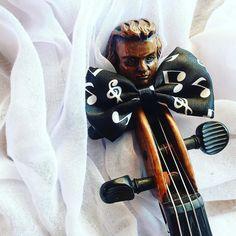 Dzisiaj pełen szyk i elegancja! Szykujemy się na ostatni występ tego sezonu w murach Opery Wrocławskiej     Today we will give the last performance of 2016/2017 artistic season at Opera House. Charm and fashion needed!  ______________________________ #violin | #violino | #violinist | #violinlife | #violingirl | #skrzypaczka | #skrzypce | #muzyka | #geige | #fiddle | #musicaclassica | #instrument | #instaclassical | #bestmusicshots | #jj_musicmember | #classicfm | #talentedmusicians…
