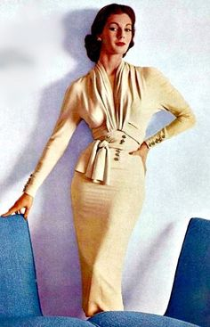 Vintage Fashion: Fiona Campbell-Walter in an afternoon dress by Nina Ricci, L'Art et la Mode, Moda Vintage, Moda Retro, Vintage Mode, Vintage Fashion 1950s, Fifties Fashion, Vintage Couture, Retro Fashion, Fashion Art, Fashion Models