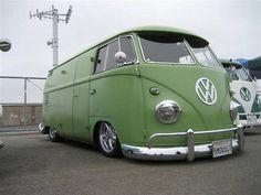 I Love this lowered VW kombi BUS