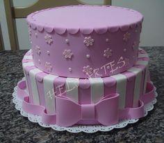 Torta Angel, Bolo Fake Eva, Bolo Fack, Cherry Blossom Cake, Bolo Minnie, Felt Cake, Traditional Wedding Cakes, Felt Food, Cake Decorating Techniques