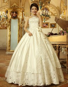 Elegant Strapless Sequin Beads Embroidery Flower Hem Decorated Lace Up Vintage Wedding Dress For Bride