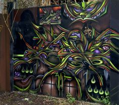 Crazy Graffiti Drawings | Friday, August 6, 2010
