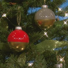 Day 6: Gold Dipped Ornament Christmas Craft/DIY:The Chew