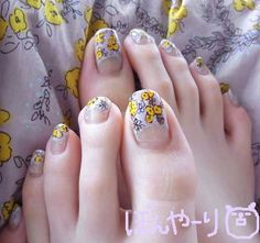 nails glitter tips on gray art Nailed it. Pretty Toe Nails, Pretty Toes, Summer French Manicure, Cute Pedicures, Painted Toes, Foot Pics, Beautiful Toes, Great Nails, Toe Nail Designs