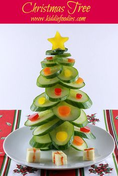 Christmas tree vegan snack for kids made of cucumber