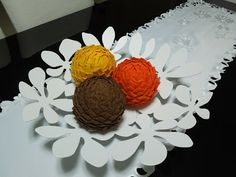 Art and crochet: Balls for decoration 15 .23.......Folded felt pieces placed on a styrofoam ball