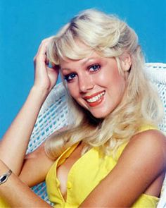 lynn-holly-johnson-as-bibi-dahl-in-for-your-eyes-only-7.jpg (300×375)