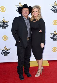Pin for Later: Seht Taylor Swift, Nick Jonas und alle anderen Stars bei den ACM Awards Garth Brooks und Trisha Yearwood