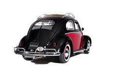 Who's feelin' groovy? On this #TBT we have a Volkswagen Beetle! www.BookAclassic.com #classiccar #carlovers #lovecars #luxurycars #supercars #weddingcar #vintagecar #oldtimer #youngtimer #prewarcar #vintageweddingcar #happywedding #VW #VWBeetle