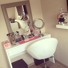 Makeup storage-vanity in our master!! I love this!! I think im going to give it a try :)