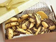 Biscuits are better with butter Tea Time, Snowflakes, Biscuits, Almond, Sweet Treats, Cheesecake, Butter, Cookies, Chocolate
