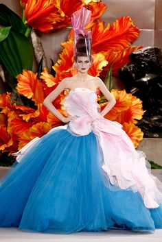 """""""Alice Through The Looking Glass"""" flower dresses by John Galliano for Christian Dior Couture Fall 2010 - Michelle Alves"""