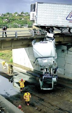 Amaze Pics & Vids: World's Worst Truck Accidents - Photo Collection...@ keith Widrick glad you know what your doing!!
