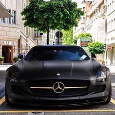 Black and Gold SLS only @sanamcars #therichlistway