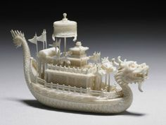 Ivory carving of a dragon-boat in a lacquer case, Qing dynasty, century © National Palace Museum. Chinese Dragon Art, Japanese Dragon, Chinese Art, National Palace Museum, Asian Artwork, Dragon Boat, Bone Carving, Shell Art, Qing Dynasty