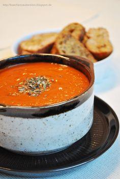 Küchenzaubereien: Tomatensuppe mit gerösteten Tomaten und Basilikum