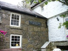 The Tinners Arms Zennor, Cornwall - the local for D H Lawrence and Frieda, Katherine Mansfield and John Middleton Murry when the Lawrences were living at Higher Tregerthen. Via BrotherMagneto, flickr