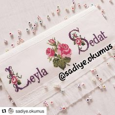 Baby Cross Stitch Patterns, Simple Cross Stitch, Cross Stitch Flowers, Heart Crafts, Crewel Embroidery, Couture, Alphabet, Hand Embroidery Projects, Wedding Souvenir
