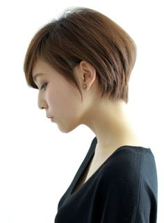 Normally short hair makes you appear much younger. But short hair does not suit every type of face. These Short bob hairstyles for different type of hair. Asian Short Hair, Asian Hair, Girl Short Hair, Asian Pixie Cut, Short Haircut, Pixie Haircut, Short Hairstyles For Women, Shot Hair Styles, Corte Y Color