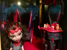 Room 16 The Jungle Room is what we named the bedroom of Monster High doll, Jane Boolittle. A private suite with a canopy bed should give this shy ghoul a nice place to retreat. http://www.superbuddiesforever.com/ #monsterhighdollhouse #dollbed