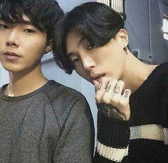 Kim ji so at the right Bae