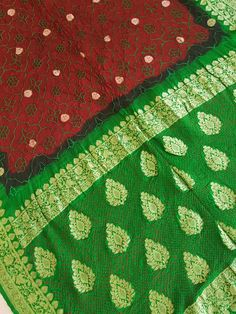 Bandhani Saree, Saris, Bohemian Rug, Quilts, Blanket, Rugs, Home Decor, Farmhouse Rugs, Decoration Home