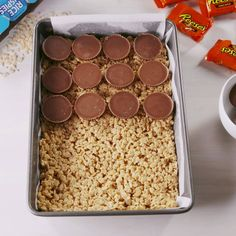 Reese's Stuffed Rice Krispies Treats - Cooking TV Recipes - Reese's Stuffed Rice Krispies Treats – Cooking TV Recipes - Köstliche Desserts, Delicious Desserts, Dessert Recipes, Yummy Food, Rice Krispy Treats Recipe, Krispie Treats, Peanutbutter Rice Crispy Treats, Peanut Butter Rice Krispies, Cooking Tv