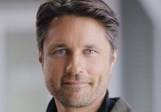 "Grey's Anatomy's Martin Henderson on ""Replacing"" Patrick Dempsey ..."