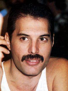 Freddie Mercury 1980s., So incredibly handsome