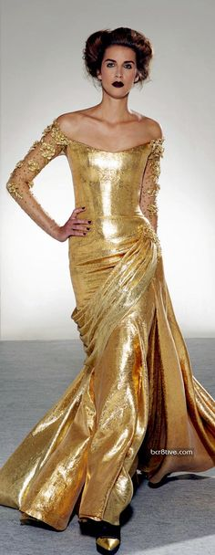Georges Chakra is a Beirut-based Lebanese haute couture fashion designer. Since he has presented collections at Paris Fashion Week. Chakra first established his brand in Georges Chakra, Style Couture, Couture Fashion, Beautiful Gowns, Beautiful Outfits, Mode Glamour, Gold Gown, Fru Fru, Costume