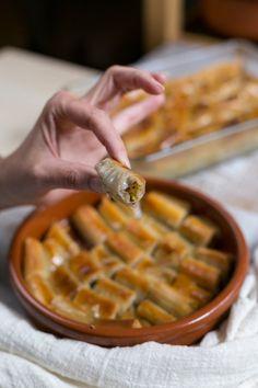 Latin Food, Arabic Food, Sweet Recipes, Cake Recipes, Detox Diet Drinks, Yummy Treats, Tasty, Sweets, Breakfast