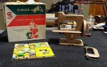 Beige Singer model 20 Toy Sewing Machine w/box
