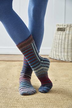Ravelry: U-Turn socks pattern by General Hogbuffer
