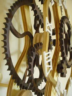 Serpentine Clock
