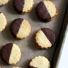 Ischler cookies - almond cookie sandwiches with apricot jam and chocolate dip. Jam Cookies, Almond Cookies, Sandwich Cookies, Chocolate Chip Cookies, Classic Desserts, Great Desserts, Cookie Desserts, Cookie Recipes, Dessert Book