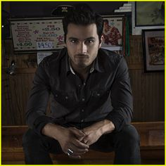 'Vampire Diaries' Star Michael Malarkey Gets Ready to 'Feed the Flames' with Upcoming EP