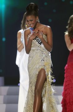 This Time for Africa! Angolan Beauty Queen Leila Lopes wins the 2011 Miss Universe crown