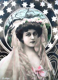 Antique art nouveau postcard  Artist Robinne by LizKnijnenburg