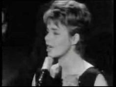 Das war dieser Tage vor 54 Jahren, im April 1962, fuer etliche Wochen Nr. 1  der deutschen Hitparade. Conny Froboess siegte mit 'Zwei kleine Italiener' zuerst bei den  Deutschen Schlager-Festspielen 1962 < https://de.wikipedia.org/wiki/Deutsche_Schlager-Festspiele_1962 > und nahm in weiterer Folge damit am  7. Grand Prix Eurovision de la Chanson Européenne in Luxemburg teil. #Deutschland #Songcontest #ESC #Schlager #Musik #music