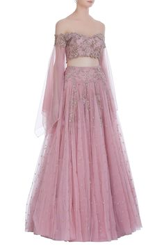 The latest Anushree Reddy 2018 Bridal Wear Collection has tons of pink shades, some ivory, greys and few traditional bridal lehengas. Latest Bridal Dresses, Indian Bridal Outfits, Wedding Dresses For Girls, Indian Designer Outfits, Indian Dresses, Indian Clothes, Wedding Lehenga Designs, Indian Wedding Lehenga, Bridal Lehenga