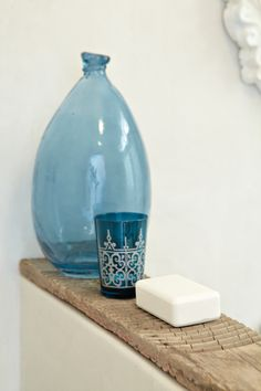Love the blue glass against rustic timber Moroccan Design, Moroccan Style, Marocco Interior, Pastel Home Decor, Moroccan Bathroom, Decorated Jars, Bottles And Jars, Used Iphone, Dream Decor