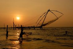 Interesting beautiful Fort Kochi beach is located on the Western coast of India and it also known as Queen of the Arabian Sea. The main attraction of this beach is the historic fort. This beach offers a soothing atmosphere to relax and chill out. Holiday trip to this beach is like an ideal blend of the historical and cultural moments.