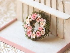 …a pretty mini wreath!!