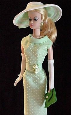 The Ever Fashionable Silkstone Barbie in Dotted Swiss Dress Barbie I, Barbie World, Barbie Dress, Barbie Outfits, Vintage Barbie Clothes, Vintage Dresses, Doll Clothes, Glamour, Barbie Friends