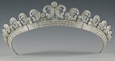 Cartier Halo Scroll Tiara. Commissioned by King George VI while he was still the Duke of York for the Duchess of York (Queen Mother) in 1936. Queen Elizabeth II loaned this to Kate Middleton for her wedding to Prince William.
