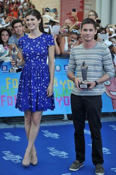 Alexandra Daddario Photos - Alexandra Daddario and Logan Lerman attend 2013 Giffoni Film Festival blue carpet on July 2013 in Giffoni Valle Piana, Italy. - Arrivals at the Giffoni Film Festival Percy Jackson Cast, Percy Jackson Books, Alexandra Daddario Images, Best Young Actors, Logan Lerman, Attractive People, Celebrity Dresses, Film Festival, Actors & Actresses